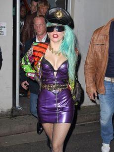 Gaga1_2